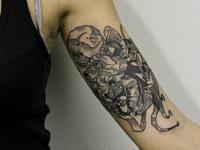 Татуировка осьминог на плече