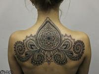 Татуировка узор на спине