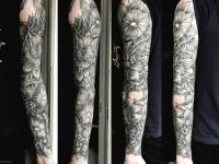 Татуировка цветы по всей руке