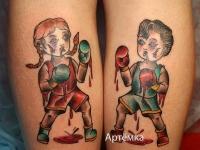 Татуировка бокс на икре