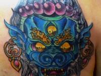Татуировка демон на лопатке