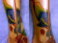 Татуировка роза на голеностопе