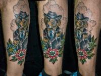 Татуировка медведь на голеностопе