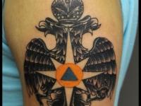 Татуировка двуглавый орёл на плече