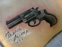 Татуировка револьвер