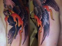 Татуировка орёл на плече