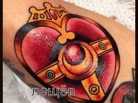 Татуировка сердце в короне