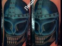 Татуировка череп в шлеме