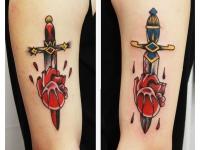 Татуировка кинжал проткнул сердце