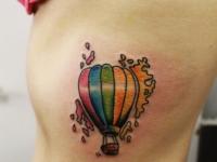 Татуировка разноцветный воздушный шар