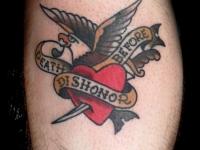 Татуировка орел и сердце с кинжалом