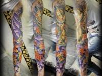 Татуировка листья, часы на руке