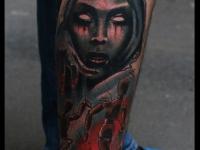 Татуировка марионетки на голени