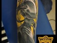 Татуировка голова девушки с рогами