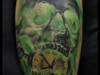 Татуировка череп и часы