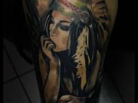Татуировка девушка с птицей