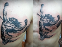Татуировка кентавр на груди