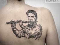 Татуировка флейтист с флейтой