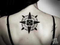 Татуировка узор на шее