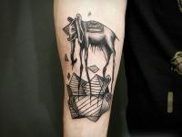 Татуировка слон на плече