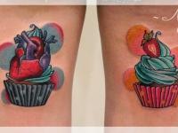 Татуировка пирожное с сердцем
