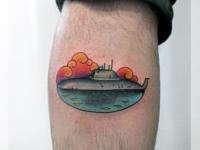 Татуировка подводная лодка на икре