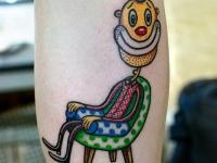 Татуировка клоун на икре