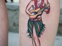 Татуировка девушка на голеностопе
