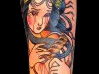 Татуировка окровавленная девушка