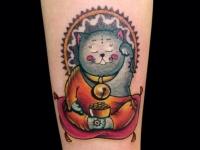Тату толстый кот-монах с золотом