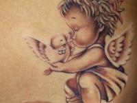 Татуировка малыш и птица