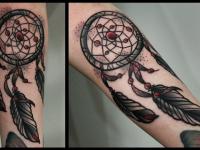 Татуировка ловец снов на руке