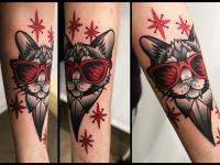 Татуировка кот в очках