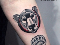 Татуировка голова и стопа медведя