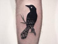 Тату черная птица