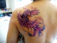 Татуировка орел на лопатке