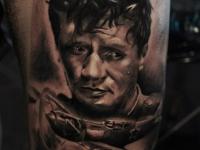 Татуировка Максима Перепелицы на руке