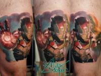 Татуировка воин в доспехах на бедре