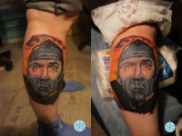 Татуировка портрет на икре