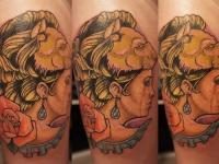 Татуировка портрет женщины в маске