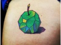 Татуировка яблоко из частей