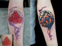 Татуировка воздушный шар на предплечье