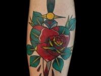 Татуировка кинжал и сердце