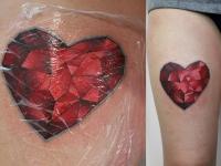 Татуировка сердце-рубин