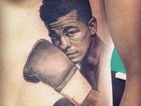 Татуировка боксер на боку