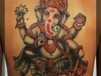 Татуировка индийский божок-слон на спине