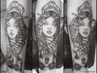 Татуировка девушка со скелетом