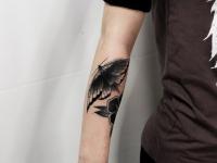 Татуировка бабочка на руке