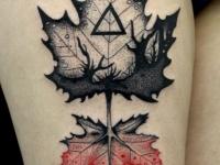 Татуировка 2 кленовых листка