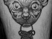 Татуировка кошка с ключами